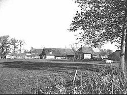 Voor- en zijgevel (middelste boerderij) nr. F 438-02 - Holthe - 20487890 - RCE.jpg