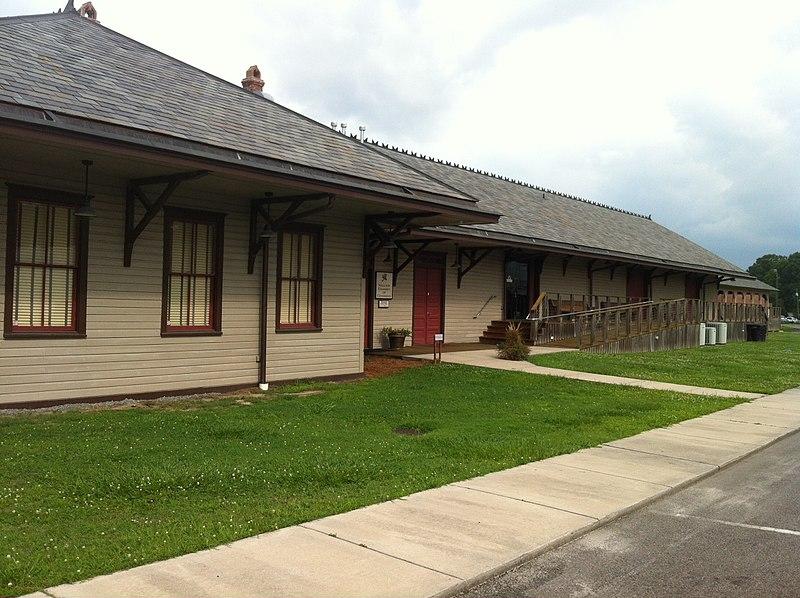 File:Wallace, NC June 2013 Depot renovated. - panoramio.jpg