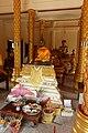 Wat Ruak Suttharam Viharn Buddha.jpg