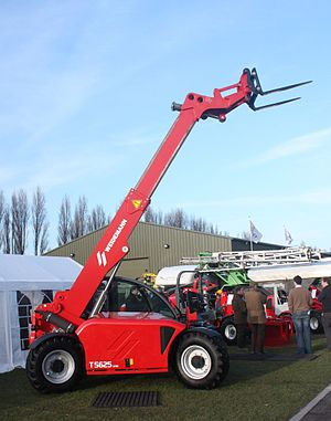 English: A Weidemann T 5625 CX80 telescopic ha...