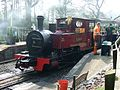 Whipsnade Zoo -train at station-15April2009.jpg