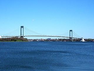 Bronx–Whitestone Bridge Suspension bridge crossing the East River between Queens and the Bronx, New York