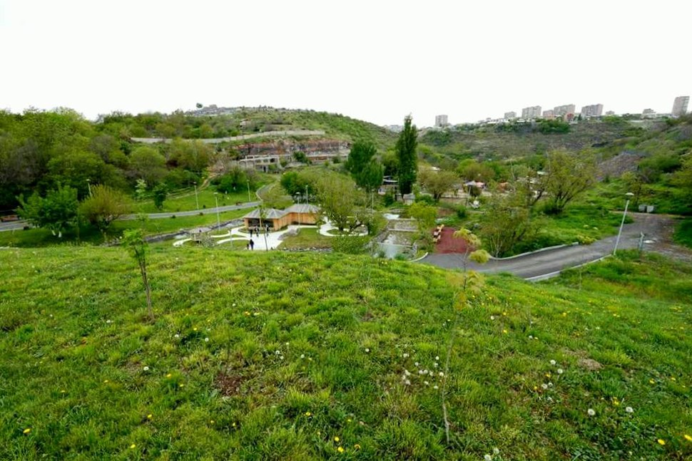 Yerevan Zoo, 1 May 2016