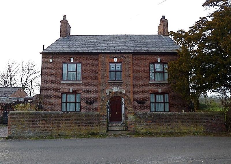File:Yewtree House, Ringway.jpg