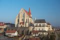 Znojmo - goticky kostel Sv. Mikulase a Svatovaclavska kaple pohled od rotundy 01.jpg