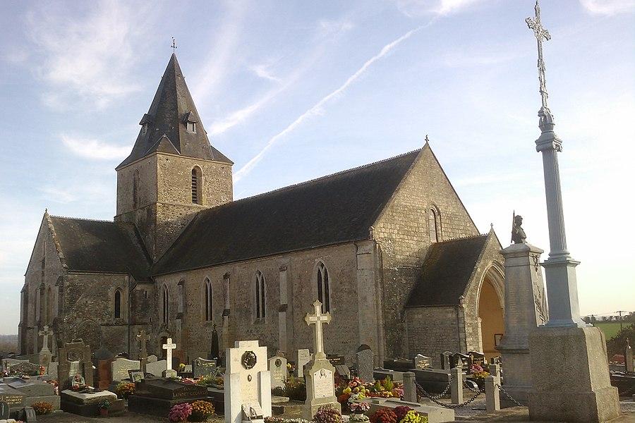 Église Saint-Martin de fr:Montmartin-en-Graignes (édifice  du 12e siècle) Le mur de la nef présente un appareil en arête-de-poisson