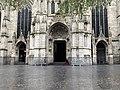 Église Saint-Maurice de Lille - entrée principale (octobre 2020).jpg