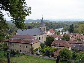 Vue du village autour de l'église.
