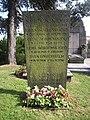 Östra kyrkogården i Göteborg, den 17 aug 2006, upptäcktsresande Otto Nordenskjölds familjegrav.jpg