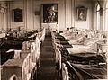 Актовый зал здания женского епархиального училища. Общий вид большой палаты, оборудованной для раненых в (актовом) зале женског.jpg