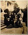 Столыпин П.А. с семьёй у Елагинского дворца 1907г(альб) 503907.jpg