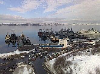 Kola Bay - Image: Стоянка кораблей. Североморск