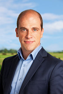 Diederik Samsom Dutch politician, chief executive and environmental activist