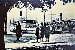 Escher Wyss & Cie. - ''ZSG'' steamships Stadt Rapperswil and Stadt Zürich at Bürkliplatz respectively Bürkliterrasse.