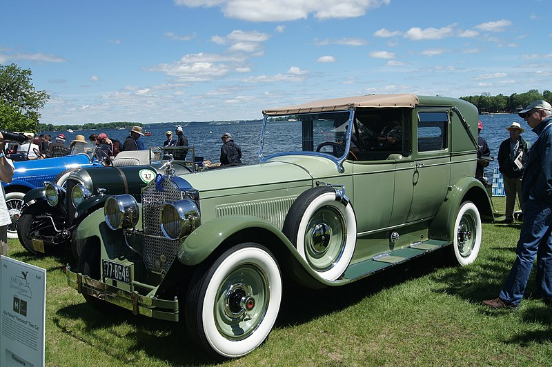 File:1924 Packard Town Car by Fleetwood (8943045090).jpg