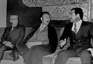 Mohammad Reza Pahlavi met Houari Boumediène an...