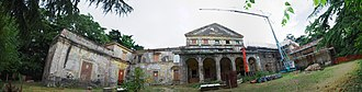 Chievo - Image: 2014 giu Villa Pellegrini Marioni Pullè, Chievo, Verona, photo Paolo Villa panorama facade, Doric Tuscan and Ionic order, porch, wings, pilaster strip, triangualar and circular tympanum, balcony, coat of arms