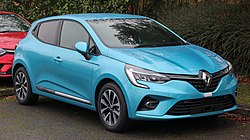 2019 Renault Clio Iconic Front.jpg