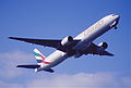 213ax - Emirates Boeing 777-31H, A6-EMO@LHR,13.03.2003 - Flickr - Aero Icarus.jpg
