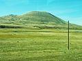 404 Ancien volcan vu du car au sud du lac Sevan.JPG
