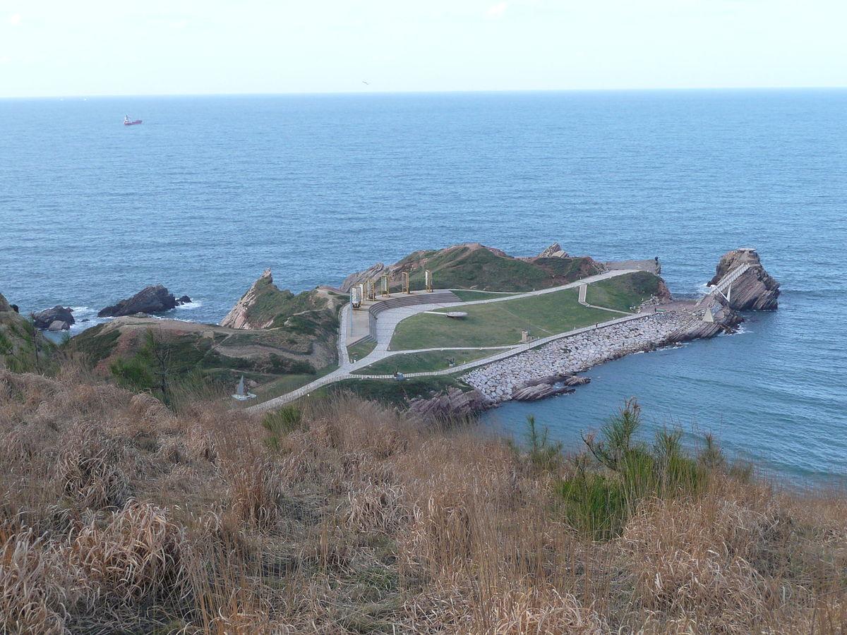 41 Península de la peñona, Museo de anclas de Salinas.jpg