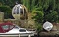 A riverside garden, Thames Ditton. - panoramio.jpg