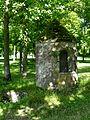 Abbaye de la Victoire, vieux puits.jpg
