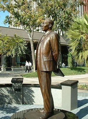 Ahn Changho - Statue of Ahn Chang-ho in Riverside, California