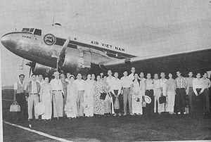 Air Vietnam - Air Viet Nam plane and passengers, 1961
