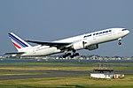 Air France F-GSPY 777.jpg