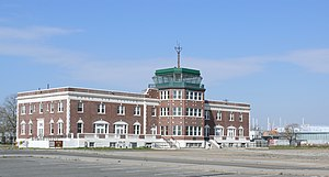 Airport tower Floyd Bennett Field 03.JPG