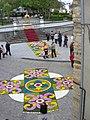 Alfombra floral en la entrada del parque Vicente Loriente de Castropol.JPG
