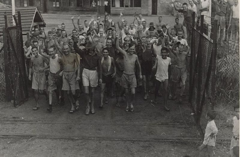 fileallied prisoners of war after the liberation of