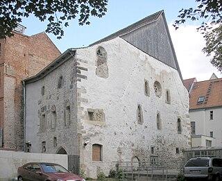 medieval synagogue building