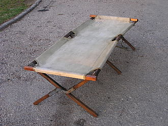 Camp bed - Image: American Army Folding Bed WWII