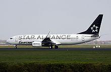 Un Boeing 737NG nella speciale livrea Star Alliance