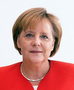 Angela Merkel Juli 2010 - 3zu4 (cropped)