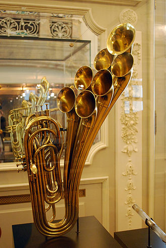 Musical Instrument Museum (Brussels) - Antique instrument on display at the museum