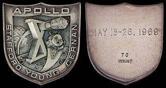 Apollo 10 - Apollo 10 space-flown silver Robbins medallion