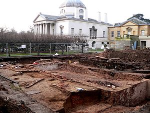 Chiswick House - English Heritage archaeologists uncover the substantial remains of the old Jacobean house in a 2008 dig.