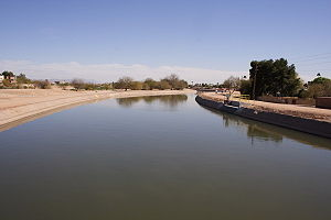 Arizona Canal - Arizona Canal in Scottsdale, Arizona.