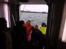 Datei:Ausbooten vor Helgoland.ogv