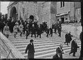 Avignon, visite de M. Millerand, le 15 mars 1921 au Palais des Papes.jpg