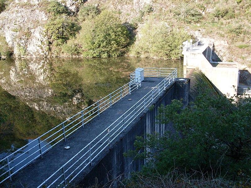 Barrage de l'Issoire sur la commune de Saint-Germain-de-Confolens, Charente, France