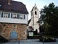 Beim 366 km langen Neckartalradweg, Neckartenzlingen mit evangelischer Martinskirche - panoramio.jpg
