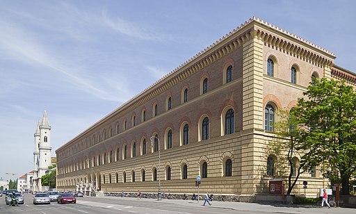 Biblioteca Estatal de Baviera, Múnich, Alemania, 2012-04-30, DD 03