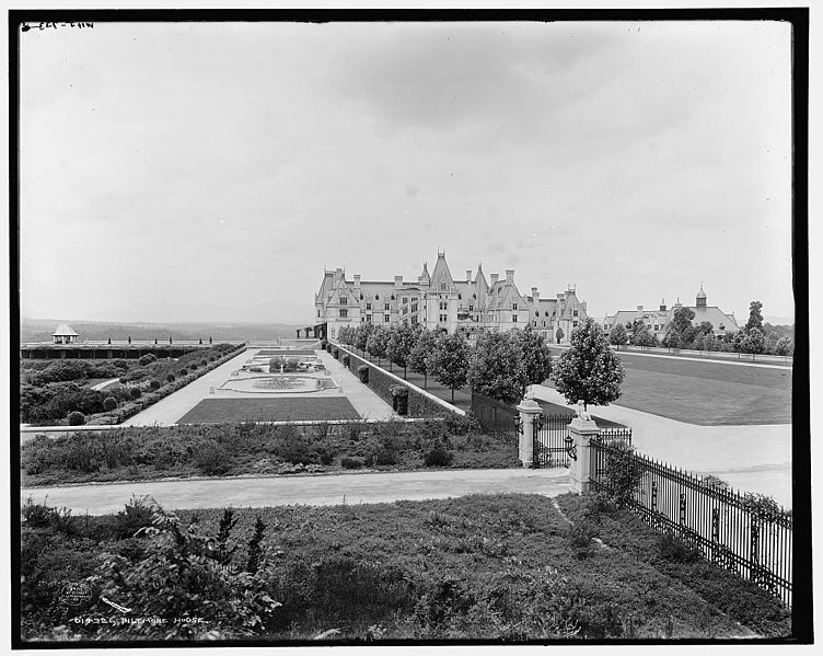 File:Biltmore Estate Asheville North Carolina.jpg