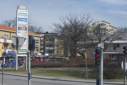 How to get to Björknäs Centrum with public transit - About the place
