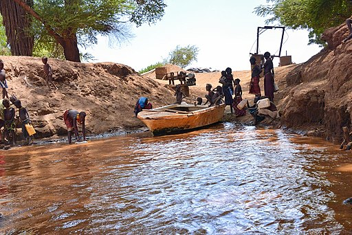 Boat Landing, Omo River, Ethiopia (15664847122)