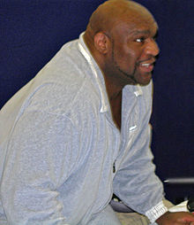 Description de l'image  Bob sapp yokota base japan 2005-crop.jpg.